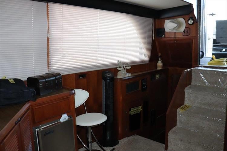 Photo 52 of 94 - 1985 Chris Craft 425 Catalina for sale