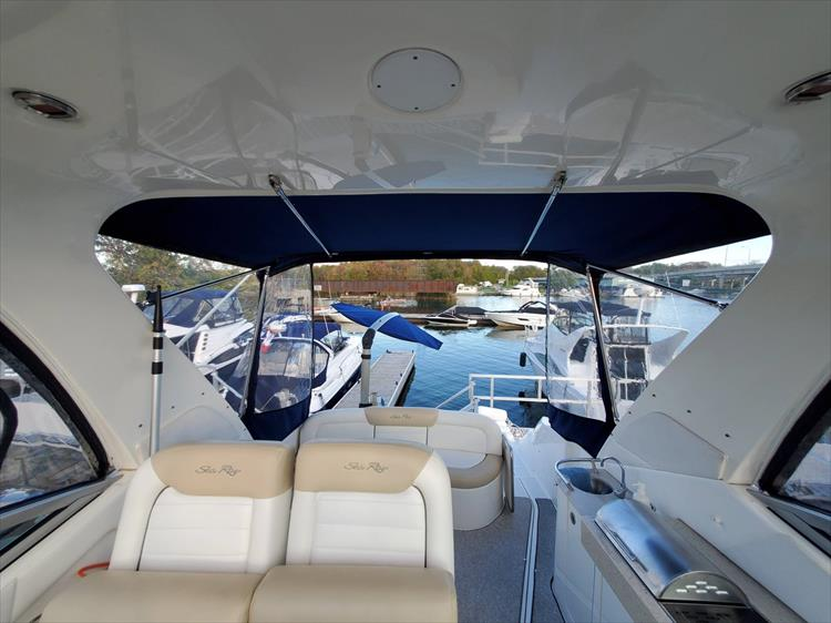 Photo 36 of 40 - 2008 Sea Ray 310 Sundancer for sale