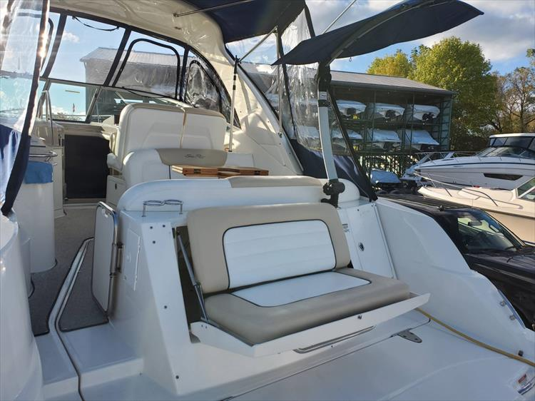Photo 6 of 40 - 2008 Sea Ray 310 Sundancer for sale