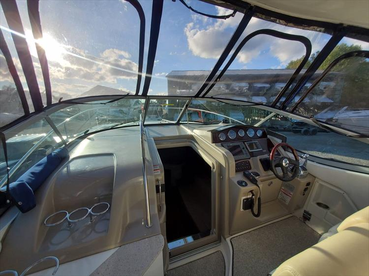 Photo 16 of 40 - 2008 Sea Ray 310 Sundancer for sale
