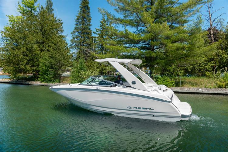 Photo 12 of 37 - 2021 Regal 22 Fasdeck for sale