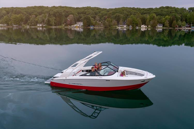 Photo 6 of 49 - 2021 Regal LS2 Surf for sale
