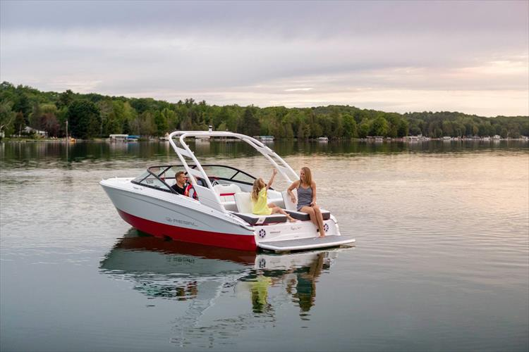 Photo 9 of 49 - 2021 Regal LS2 Surf for sale