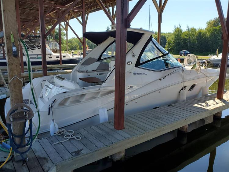Photo 1 of 36 - 2007 Sea Ray 310 Sundancer for sale