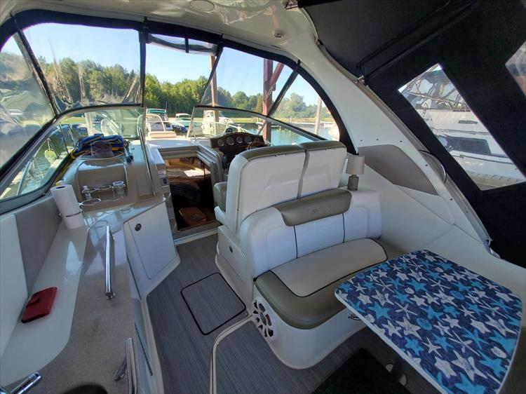 Photo 12 of 36 - 2007 Sea Ray 310 Sundancer for sale