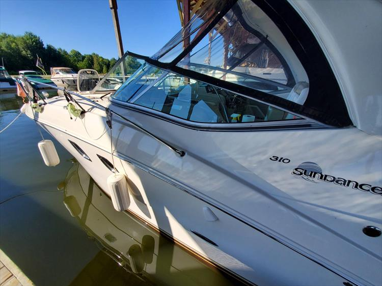 Photo 6 of 36 - 2007 Sea Ray 310 Sundancer for sale