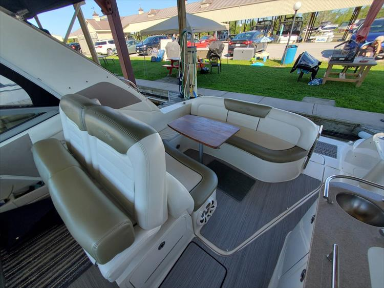 Photo 7 of 36 - 2007 Sea Ray 310 Sundancer for sale