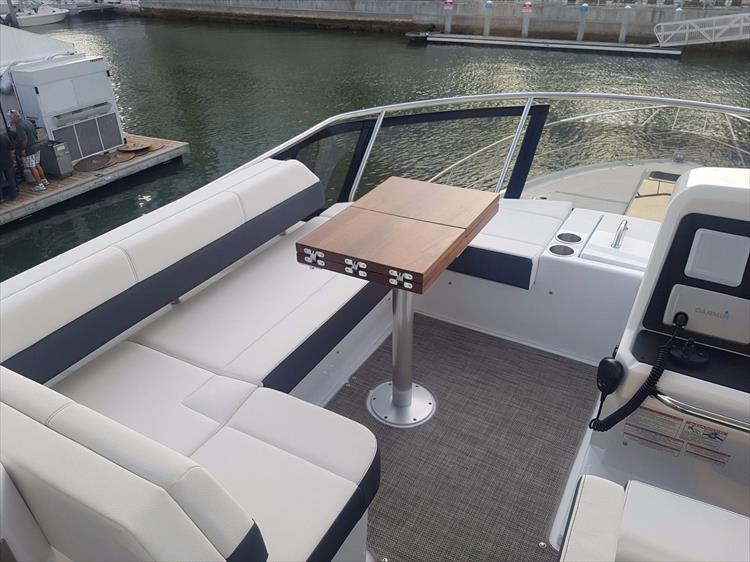 Photo 41 of 44 - 2020 Cruisers Yachts 54 Cantius FLY for sale