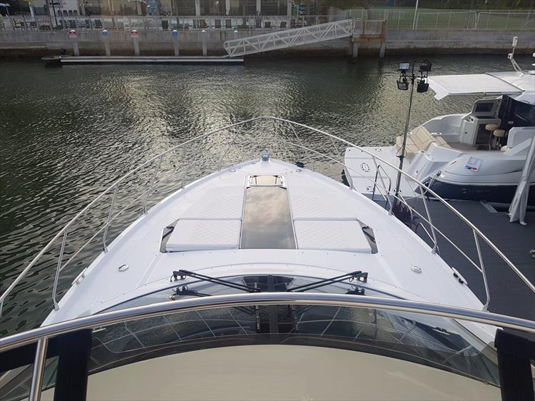 Photo 43 of 44 - 2020 Cruisers Yachts 54 Cantius FLY for sale