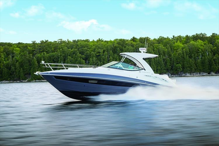 Photo 1 of 5 - 2020 Cruisers Yachts 35 Express for sale