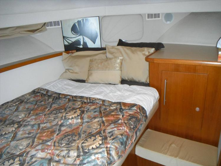 Photo 50 of 70 - 1997 Carver 445 Aft Cabin Motor Yacht for sale