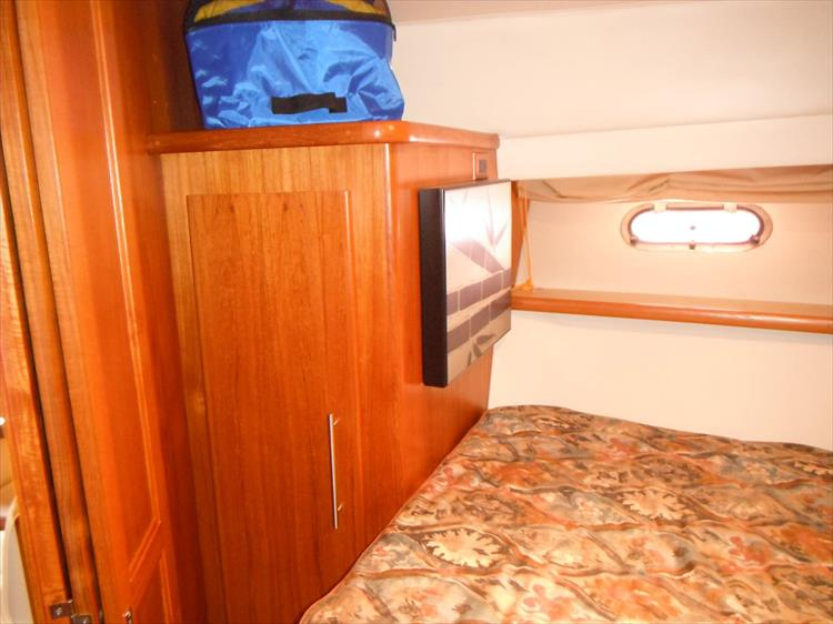 Photo 51 of 70 - 1997 Carver 445 Aft Cabin Motor Yacht for sale