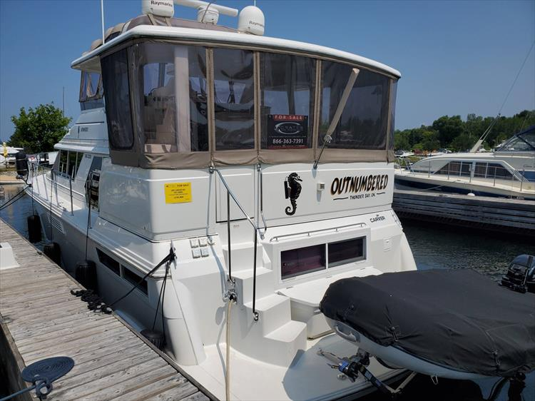 Photo 3 of 70 - 1997 Carver 445 Aft Cabin Motor Yacht for sale