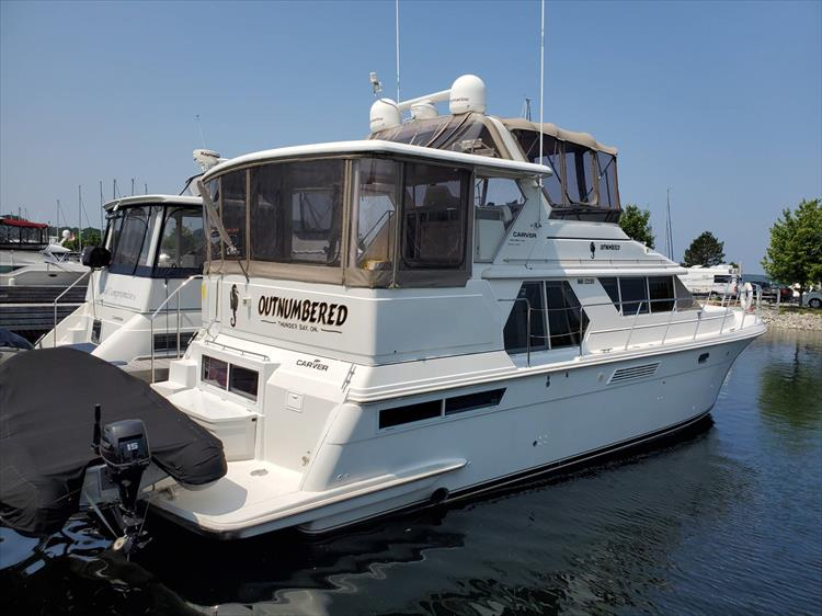Photo 2 of 70 - 1997 Carver 445 Aft Cabin Motor Yacht for sale