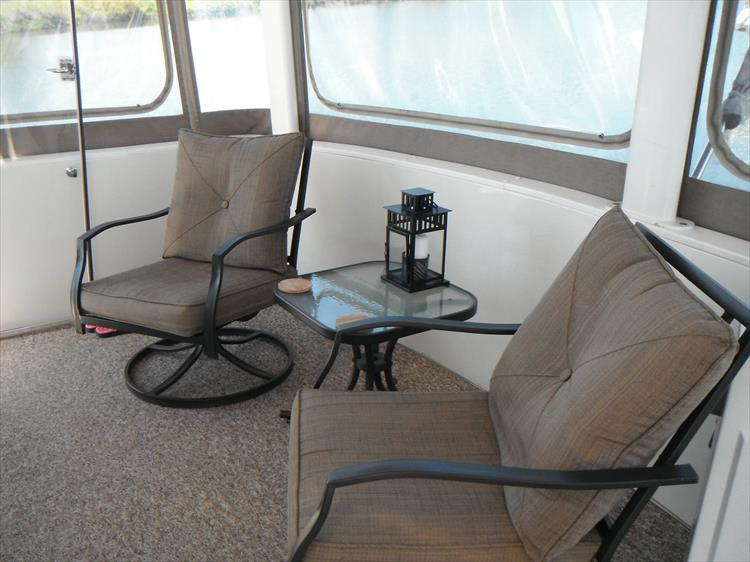 Photo 19 of 70 - 1997 Carver 445 Aft Cabin Motor Yacht for sale