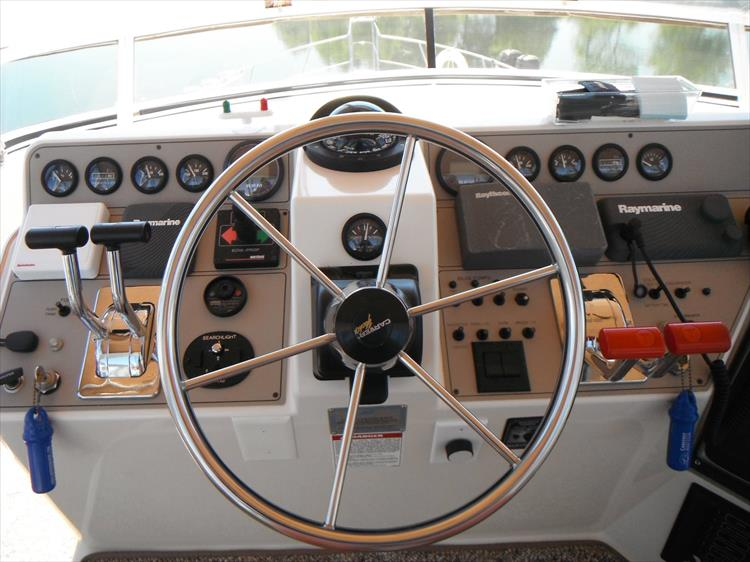 Photo 25 of 70 - 1997 Carver 445 Aft Cabin Motor Yacht for sale