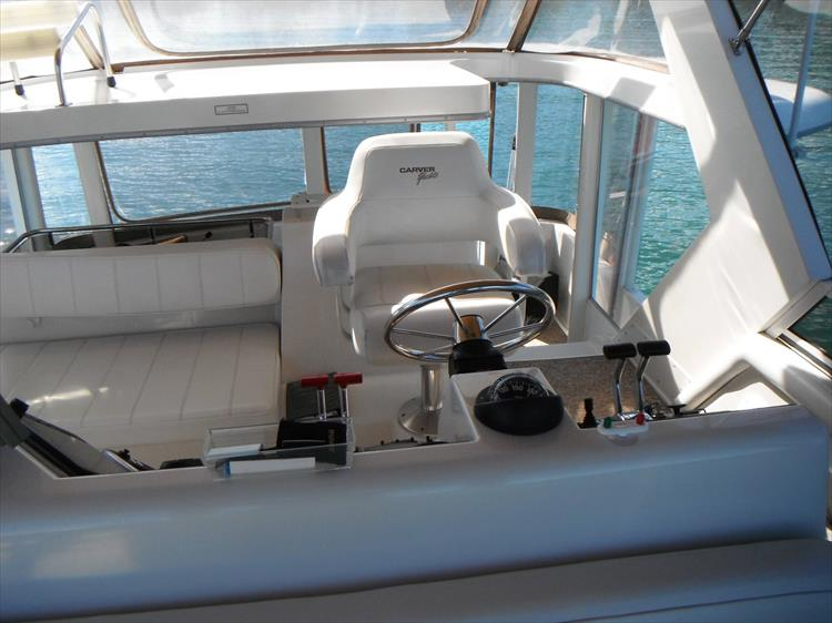 Photo 20 of 70 - 1997 Carver 445 Aft Cabin Motor Yacht for sale
