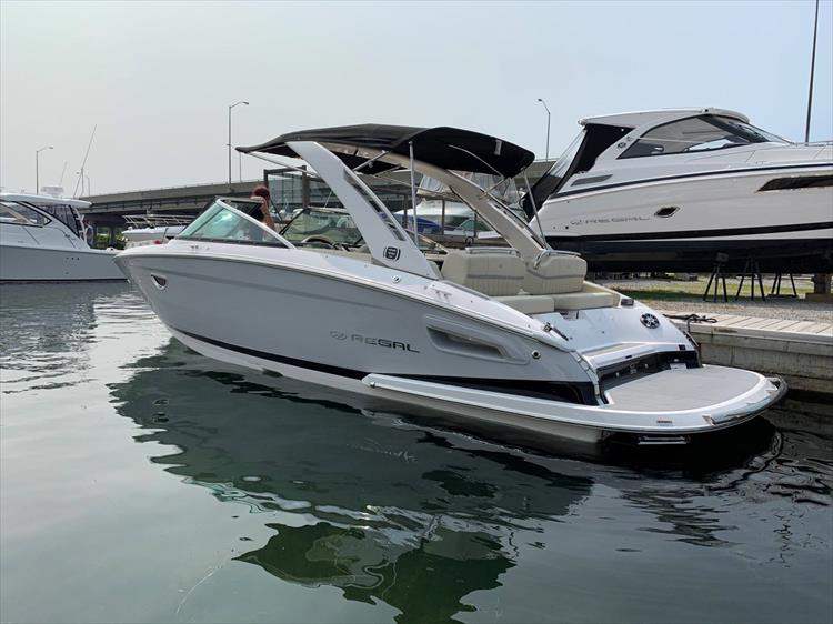 Photo 1 of 13 - 2019 Regal 2800 Bowrider for sale