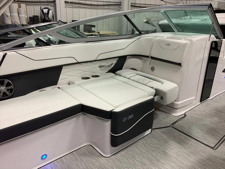 Photo 23 of 46 - 2019 Regal 23 OBX for sale